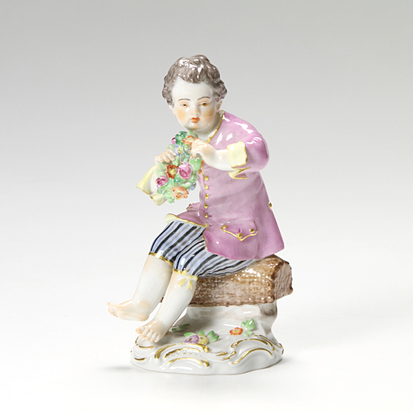 マイセン(Meissen) マイセン人形 900300/60328 リースを持つ少年 13cm